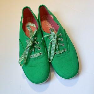 Keds green canvas low sneaker. Women's size 6.5